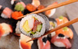 Kak pravilno est sushi
